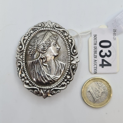 34 - Sterling Silver Large Cameo brooch in profile. 21.5g