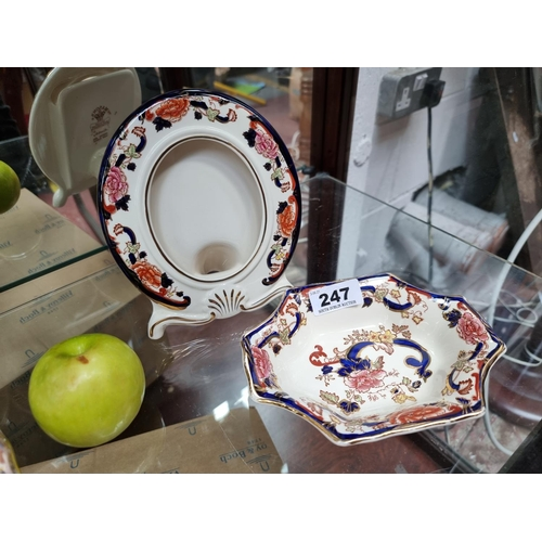 A dish and pictureframe by Mason's ironstone in 'Mandalay'.