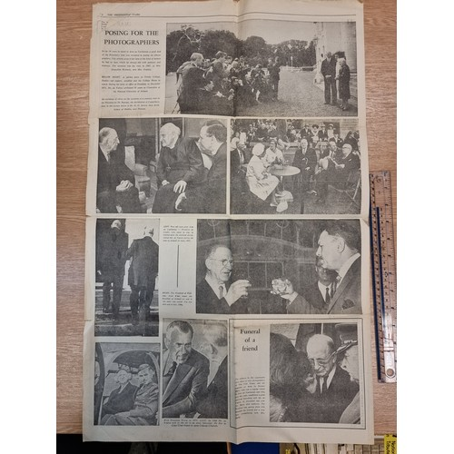 45 - A collection of three National and Provincial newspapers recording the death of Éamon de Valera. Tog...