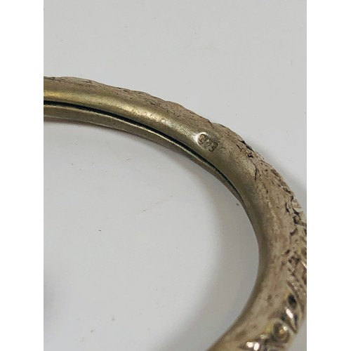 30 - 925 Vintage silver bangle, with ball end and engraved detailing. 24.41gr, with Chinese silk bag....