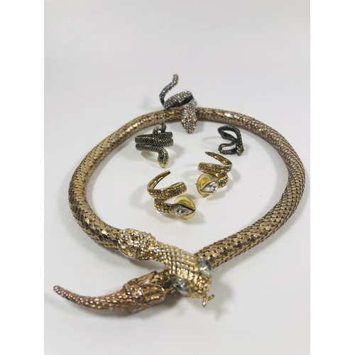 50 - Lot of snake jewellery, vintage and modern.