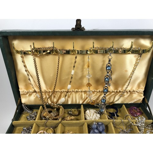 57 - 3.7gr jewellery box, some silver. Mix of vintage, retro and modern. Necklaces, rings, brooches, scar...
