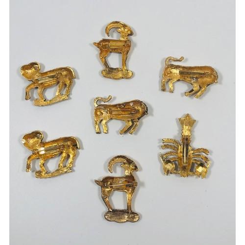 58 - Lot of horoscope brooches x 7