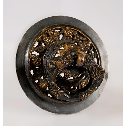 23 - ROUND PORTAL HANDLE - BUTHAN - LATE 19th CENTURY Round embossed bronze portal handle - decorated wit...