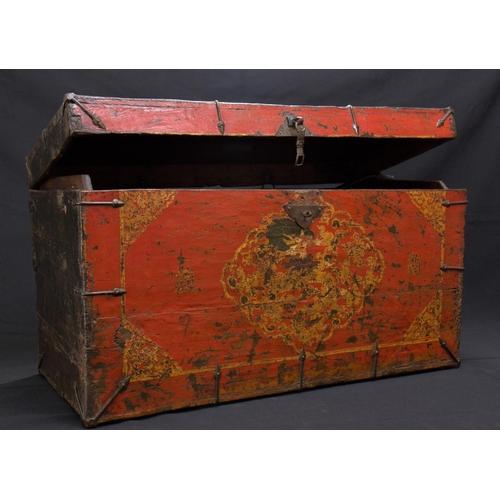 26 - TIBETAN TRUNK - LATE 18th CENTURY - LASHA Tibetan trunk  - wood: Tibetan black pine -  decorated in ...
