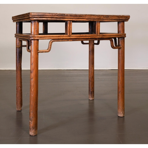 41 - SIDE TABLE - CHINA, SHANXÌ PROVINCE - 19th CENTURY Exceptional side table with a