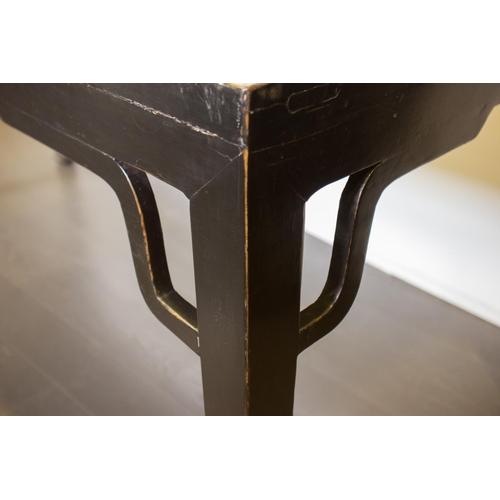 42 - PAINTING TABLE - CHINA, SHANXÌ PROVINCE - 19th CENTURY Painting table - China, Shanxì Province - lac...