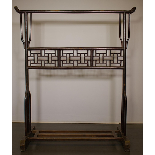 43 - RACK - CHINA, SHANXÌ PROVINCE - LATE 19th CENTURY Clothes rack - China, Shanxì Province - lacquered ...