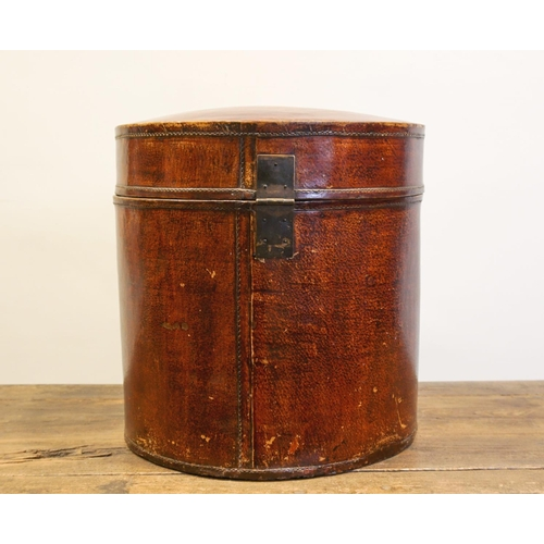 54 - HATBOX - CHINA, SHANXÌ PROVINCE - 19th CENTURY Wooden bamboo hatbox covered in bull leather - China,...