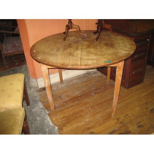 1069 - Mahogany Kitchen Table...