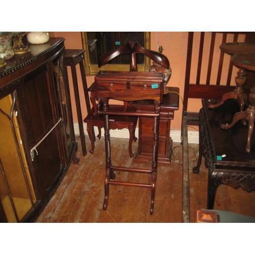 1094 - Hardwood Gentleman's Valet Stand...