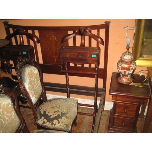 1100 - Hardwood Gentleman's Valet Stand...