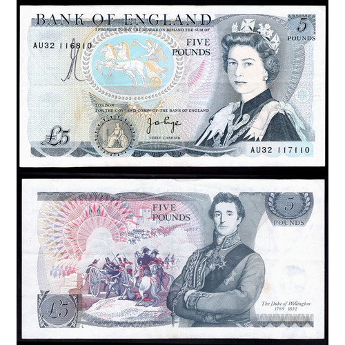 43 - Banknotes, Bank of England, Page, £5, (1973), mismatched serial numbers, # AU32 116810/117110 (Dugg....