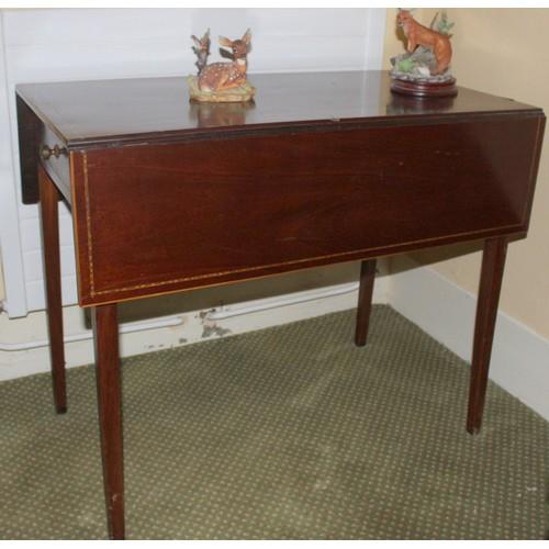18 - Pembroke Drop Leaf Table. 860mmW x 900mmD x 700mmH....