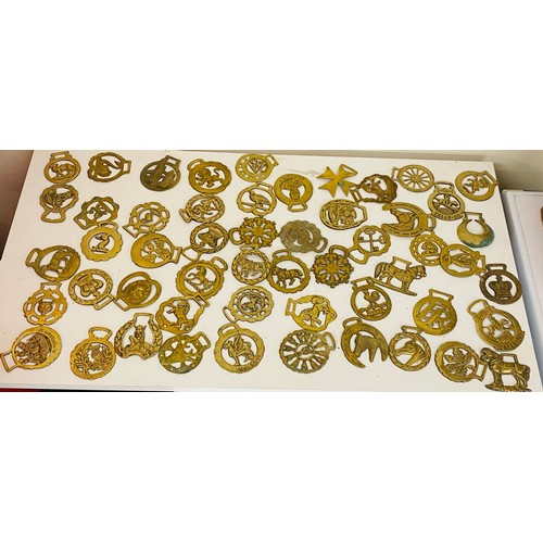 40 - Selection of vintage horse brasses...