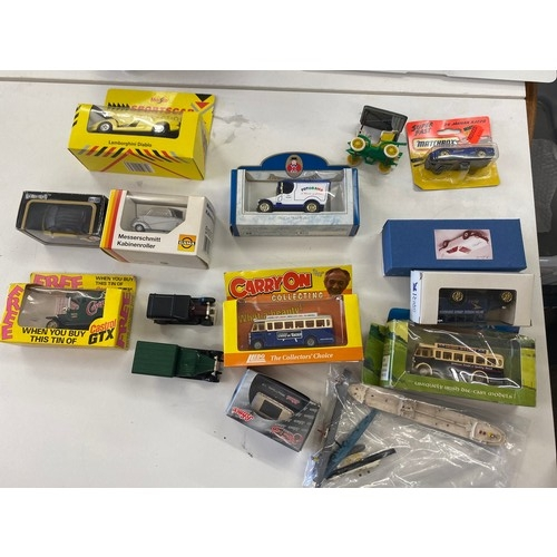 3 - Selection of 10 boxed die cast cars...