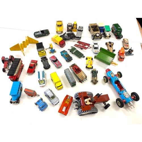 18 - Selection of vintage die cast vehicles...