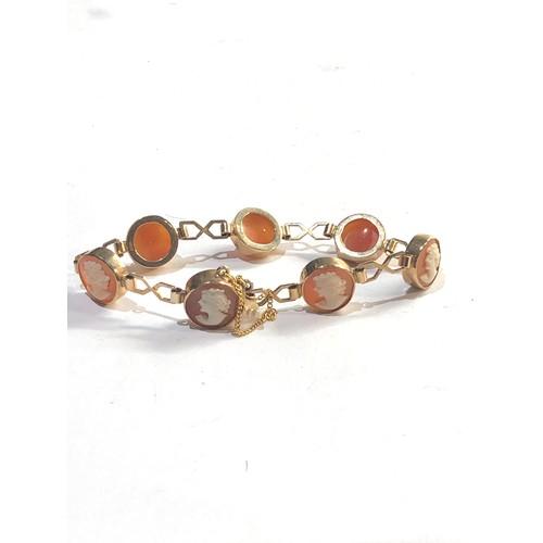47 - Vintage 9ct gold cameo bracelet weight 14g...