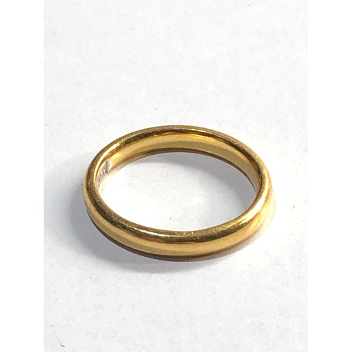 9 - 22ct gold wedding ring weight 3.4g  ring size approx I/J...