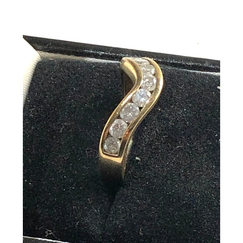 30 - 9ct gold 1ct diamond half eternity ring o, Diamonds in good overall condition...