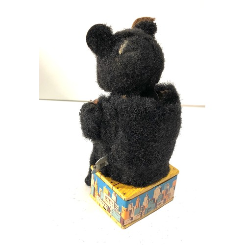 51 - Vintage wind up mechanical automated drinking bear   toy will not wind or work age related wear...