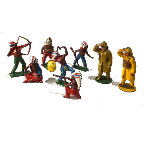 32 - Selection of 8 vintage lead toy figures...