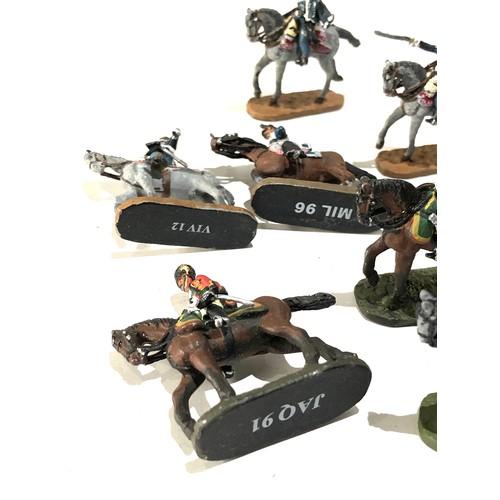27 - Selection of 12 vintage lead del Prado military figures...