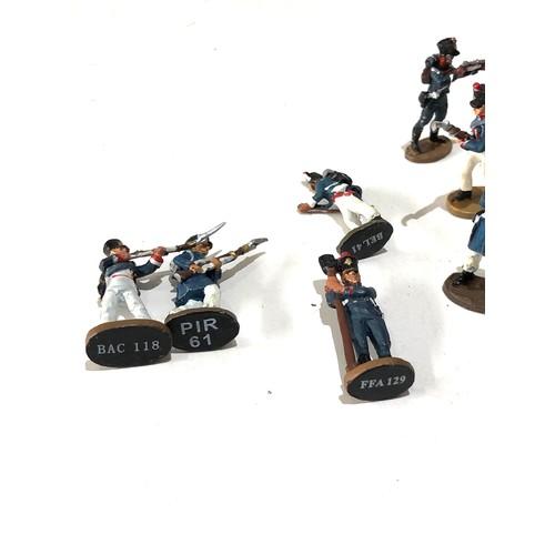 38 - Selection of 25 vintage lead del Prado military soldier figures...