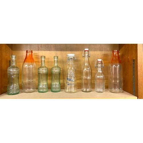 14 - Selection of vintage bottles...