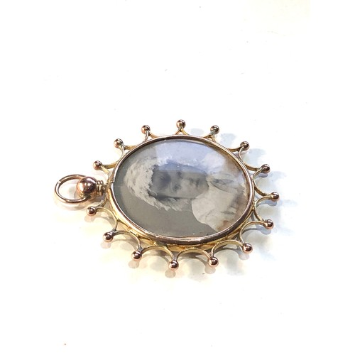 52 - Antique 9ct  gold picture pendant measures approx 4.8cm by 4.1cm weight 7.2...