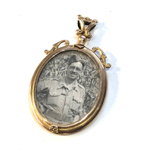 56 - Antique 9ct  gold picture pendant measures approx 4.8cm by 2.8cm widest points weight 4.2g...