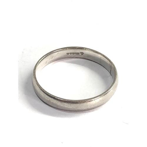 131 - Platinum wedding band weight  7.2g