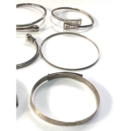 102 - Selection of vintage silver jeweller bangles weight 60g