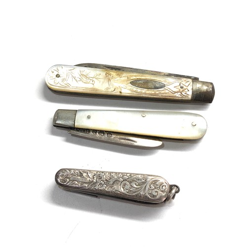 30 - 3 antique fruit knives 2 with silver blades