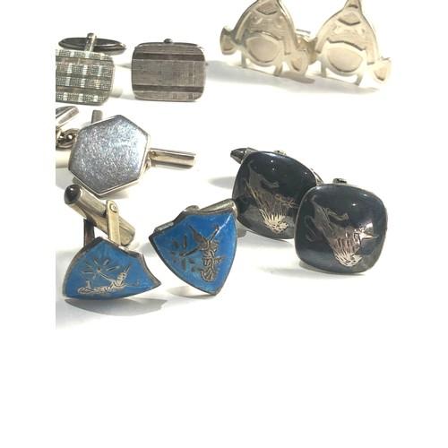 104 - 5 pairs of vintage gents silver cufflinks