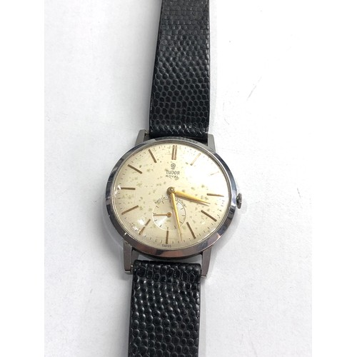 525 - Vintage rolex tudor royal gents wristwatch in working order but no warranty given spotting to dial