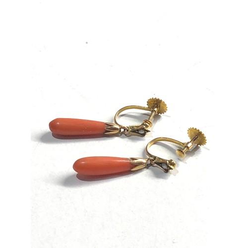 487 - 9ct Gold coral & seed pearl screw backs earrings measure 2.5cm drop