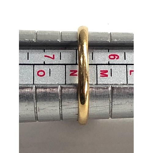 256 - Vintage 18ct gold sapphire & diamond halo set ring 3.5g