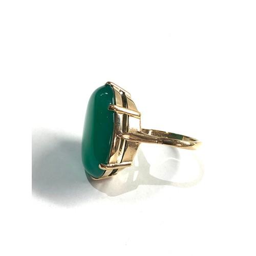 416 - 9ct Vintage large chrysoprase dress ring 8.1g