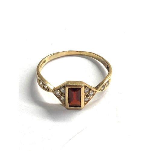 385 - 15ct gemstone set dress ring xrt tested as 15ct gold