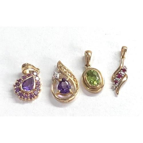 251 - 4 x 9ct gold gemstone pendants inc. peridot, amethyst