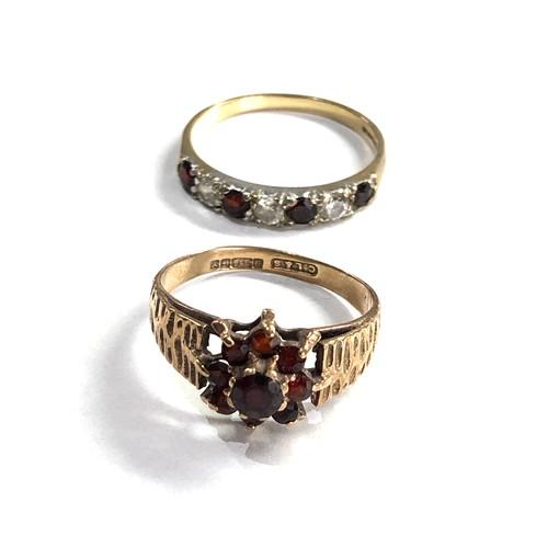 194 - 2 x 9ct gold garnet rings 4.4g