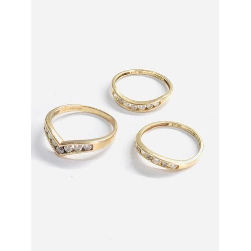 394 - 3 x 9ct gold dress rings  3.9g