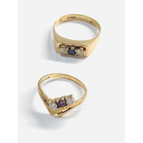 357 - 2 x 9ct gold vintage rings 4g