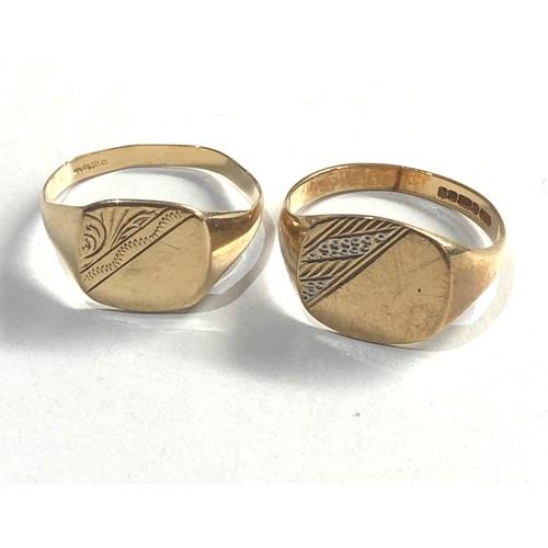 223 - 2 x vintage 9ct gold engraved design signet rings 4.9g