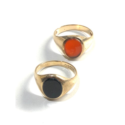 243 - 2 x 9ct gemstone signet rings inc. carnelian, onyx 4.8g