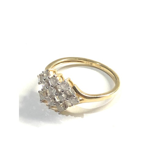 426 - 9ct mixed diamond cut cluster ring 2.8g
