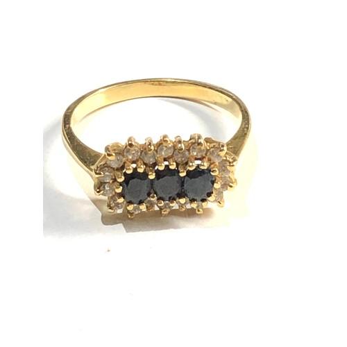 420 - Vintage 18ct gold gemstone cluster ring 3.4g