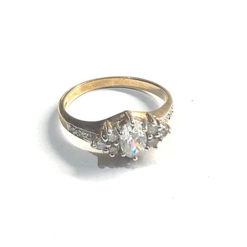 495 - Vintage 9ct gold diamond shouldered ring 1.9g