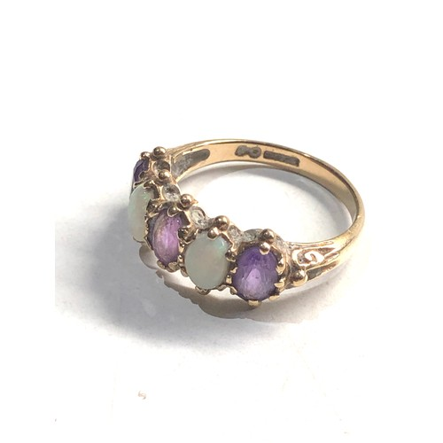 347 - 9ct Gold opal & amethyst five stone ring 3.2g